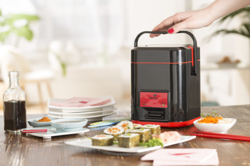 cuiseur riz et kit sushi permettant de réaliser des sushis, makis, futomakis et hosomakis maison