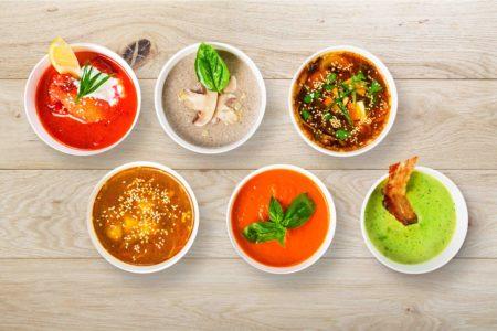 soupe-diététique-main