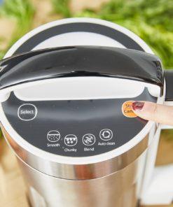 . Grâce à ses 4 programmes pré définis, vous allez gagner du temps en cuisine ! Il mixe et il chauffe, parfait pour réaliser des soupes veloutées ou moulinées, des compotes, coulis ou encore des smoothies.