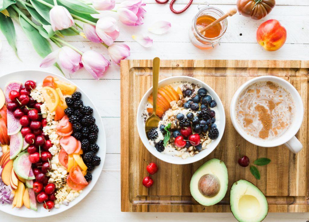 4 recettes de smoothies bowl pour un petit déjeuner équilibré et plein de vitamines